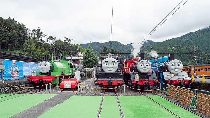 千頭駅で「トーマス」・「ジェームス」・「ウィンストン」・「ヒロ」・「パーシー」がせいぞろい