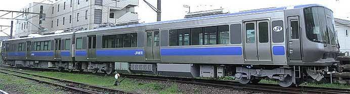 鉄道総研の新しい燃料電池ハイブリッド試験電車が完成