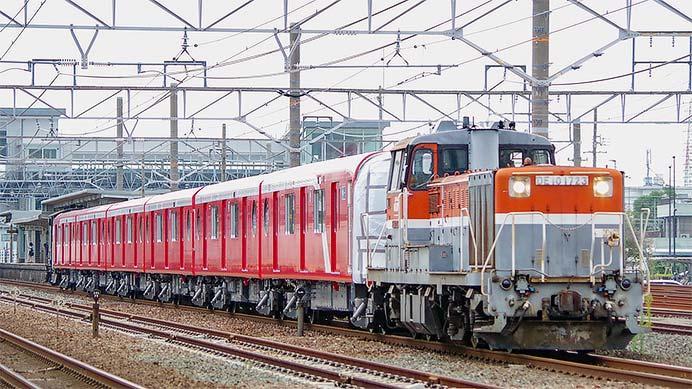 東京メトロ2000系第12編成が甲種輸送される