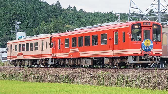 明知鉄道の定期列車が2両編成で運転される