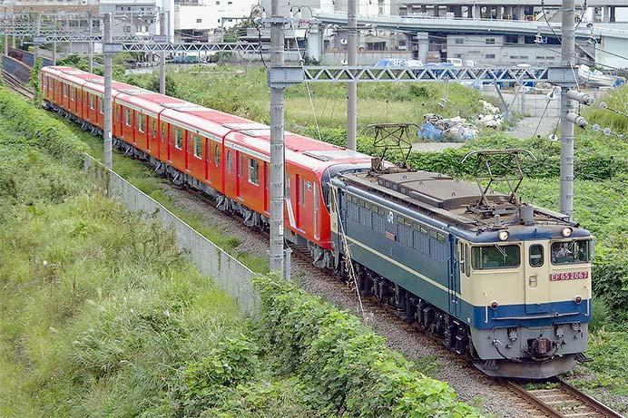 東京メトロ2000系第13編成が甲種輸送される