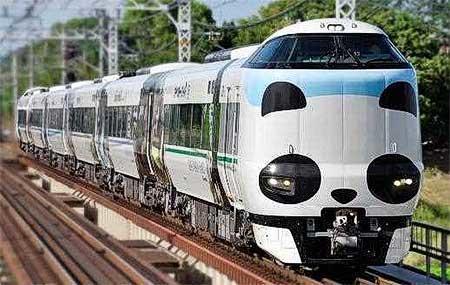 JR西日本,パンダくろしお「Smileアドベンチャートレイン」の運転期間延長と追加投入を実施