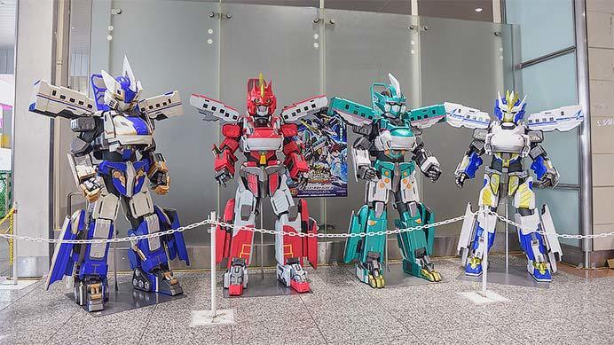 大宮駅で「新幹線変形ロボシンカリオン」の展示