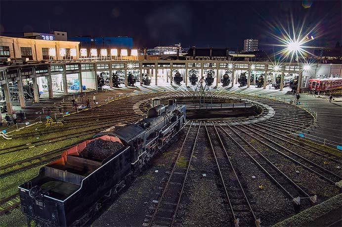 京都鉄道博物館で夜間無料開放