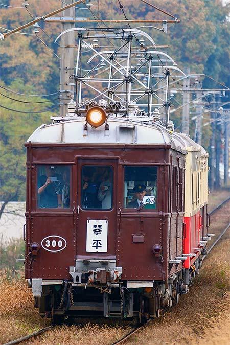 琴平線でレトロ電車特別運行