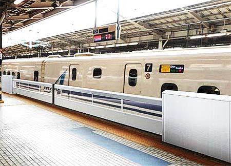 JR東海,12月5日から東海道新幹線新大阪駅26番線の大開口可動柵を使用開始