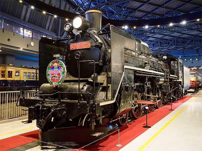 """鉄道博物館のC57 135に""""SLクリスマストレイン""""のヘッドマーク"""