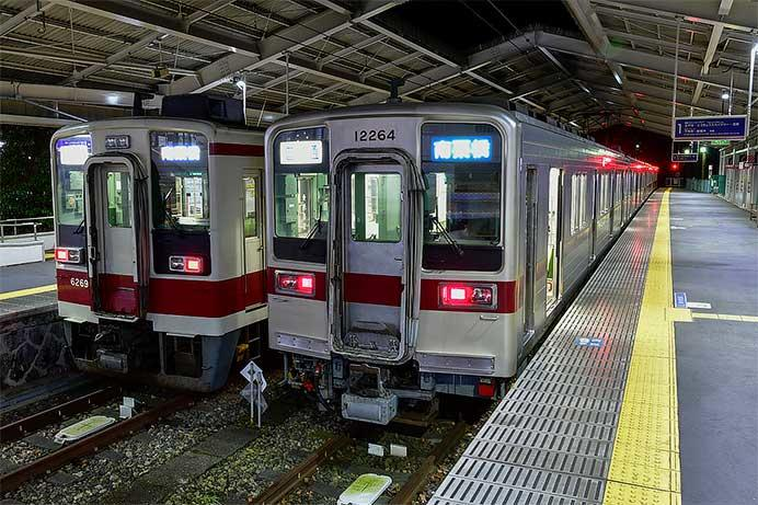 東武日光線で10000系による一部代走運転