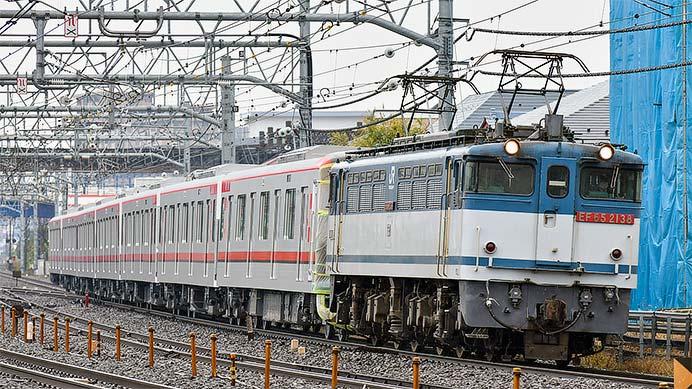 東武70000系71718編成が甲種輸送される