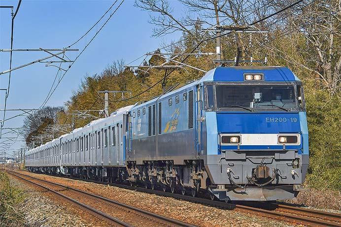 東急2020系2033編成が甲種輸送される