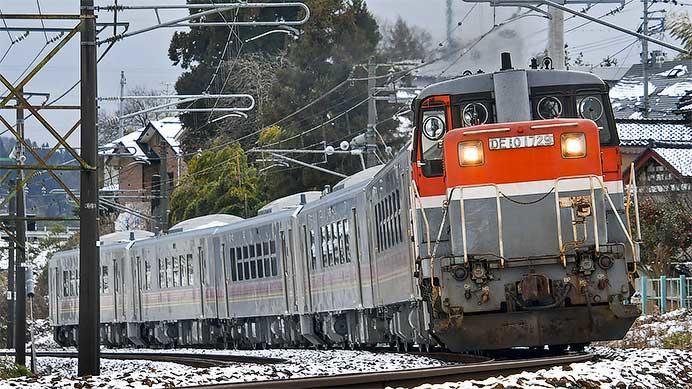 GVE400系が新津まで甲種輸送される