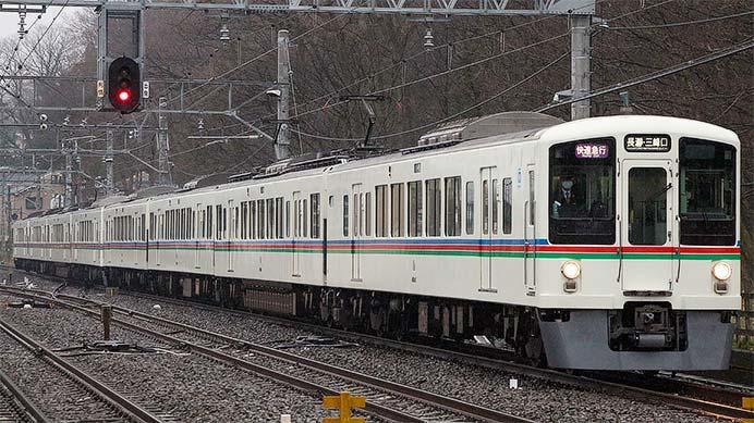 西武4000系による池袋—飯能間の定期列車が運転を終える