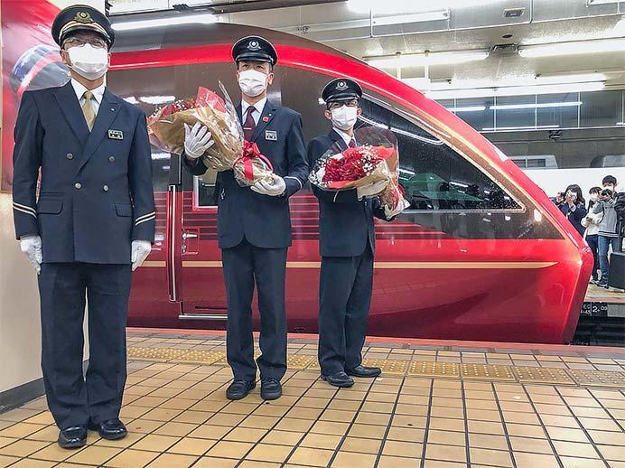 近鉄80000系「ひのとり」が営業運転を開始