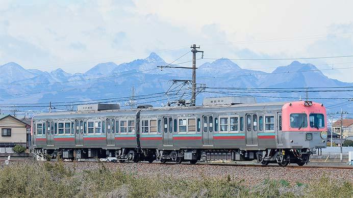 上毛電鉄で「桜電車」運転