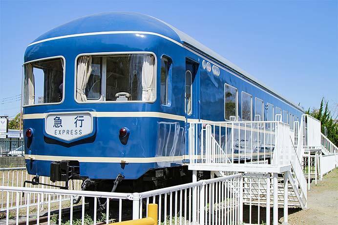 貝塚公園のナハネフ22 1007が修復される