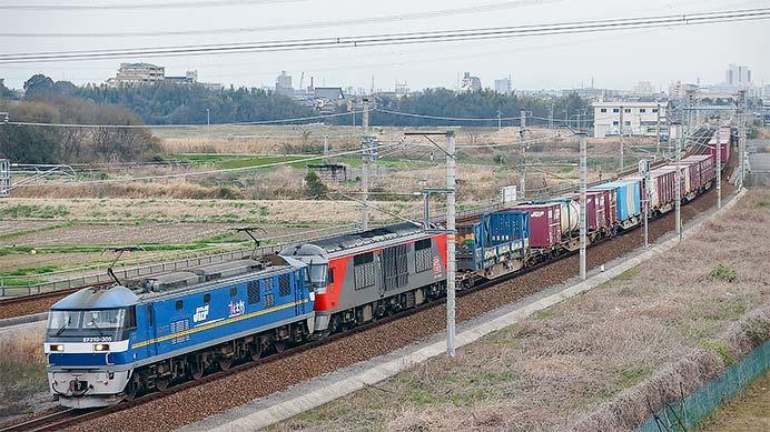 DF200-107が5085列車で輸送される