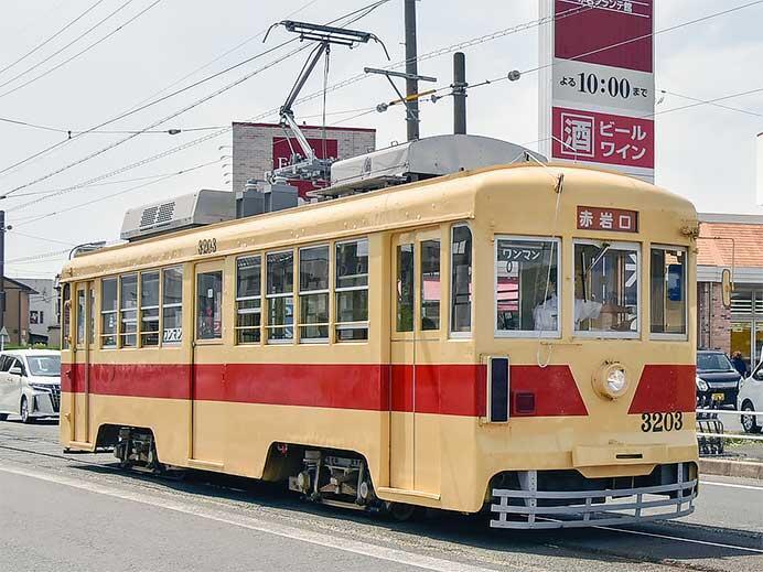 豊橋鉄道モ3203の集電装置がシングルアームに