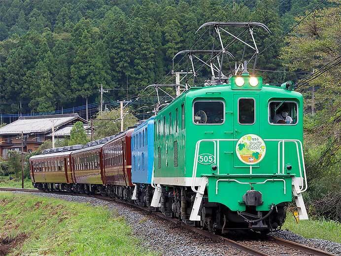 秩父鉄道で「ELちちぶシャインマスカット郷」運転