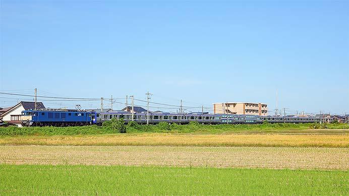E235系1000番台F-03編成が配給輸送される
