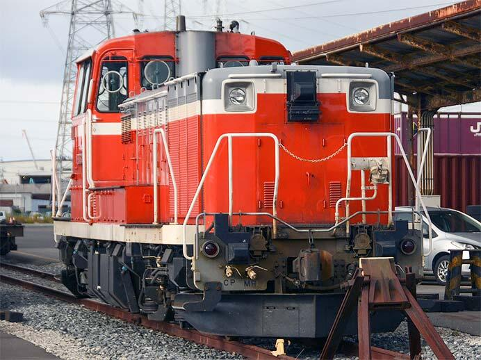 DE15 1538が仙台臨海鉄道に到着