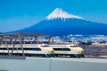 京商「リビングトレイン&BOOKシリーズ 東海道新幹線0系・N700S」発売