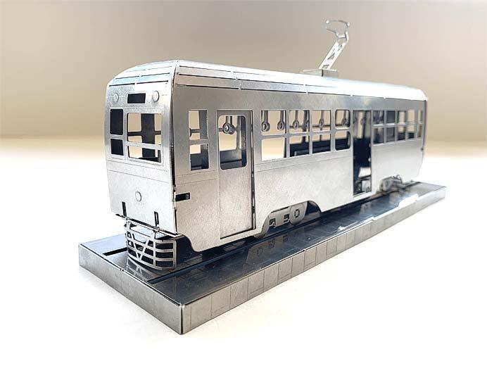 『板金鉄道』シリーズ「西武園ゆうえんち 路面電車メタルクラフトモデル」を発売