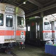十和田観光電鉄の旧七百駅構内で車両展示会