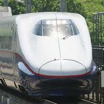 E2系N10編成が団臨で東北新幹線に入線