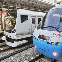 「アルファ・リゾート21」が中央本線で試運転