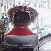 E6系S12編成・Z3編成が仙台で並ぶ
