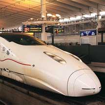 九州新幹線800系に,さくらラッピング
