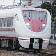 683系N03編成とN13編成が方向転換のため大阪へ