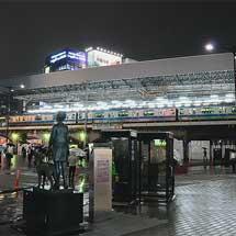 新橋駅ホームの大屋根が姿を現す