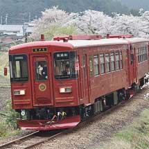長良川鉄道の観光用列車「ながら」が試運転