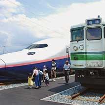 新津鉄道資料館で115系,E4系が展示される