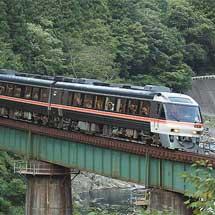 高山本線でキハ85系による団臨運転
