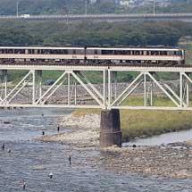 キハ85系の団体臨時列車が運転される