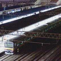 E231系4両が配給輸送される