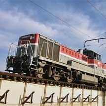 東武70000系71704編成が甲種輸送される
