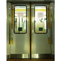 JR南武線,オリジナルデザインのドア注意喚起ステッカーを貼付