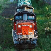 DD51形がDF200形の仕業を代走けん引