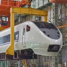 JR西日本 金沢総合車両所が一般公開される