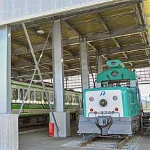新津鉄道資料館で新幹線軌道確認車が一般公開される