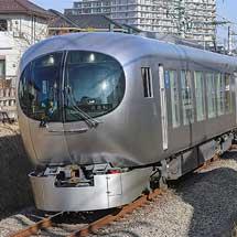西武新宿線に001系「Laview」が入線