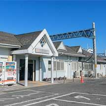 関西本線蟹江駅で改良工事が進む