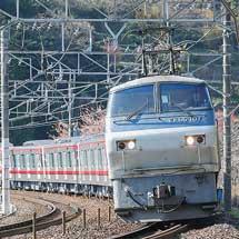 東武70000系71716編成が甲種輸送される