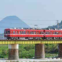ことでんで1080形「還暦の赤い電車」+23号車が運転される