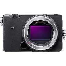 シグマ,ミラーレス一眼カメラ「SIGMA fp」の開発を発表