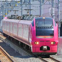 E653系1000番台U107編成(ハマナス色)が越後線に入線