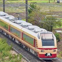 国鉄特急色のE653系K70編成が川越線に入線